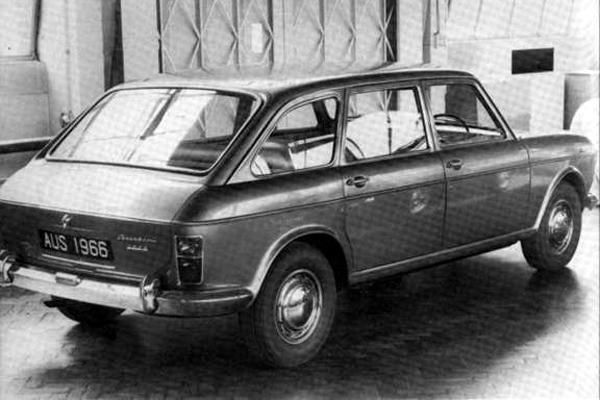 BMC considered turning the 1800 into a sort of half-hearted estate car in 1966. Although the Maxi-like rear bodywork was new, those doors would have been all-too familiar...