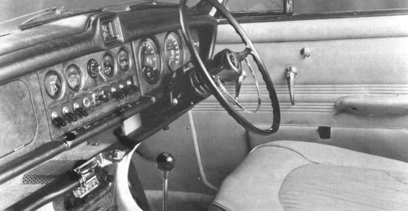 Jaguar 420 interior
