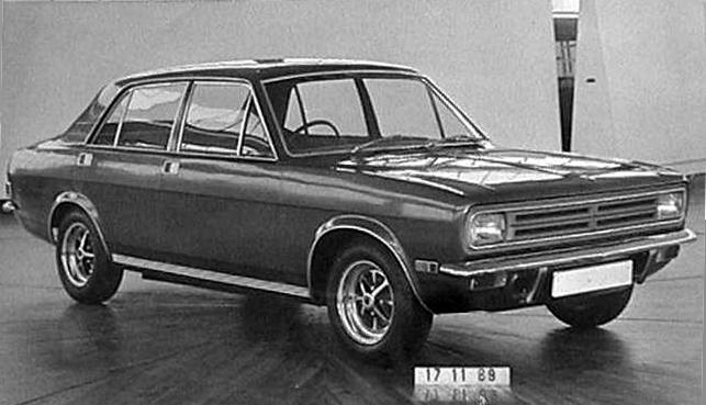 Roy Haynes' style emerged quickly, as a derivative but not unattractive saloon. It was created very much in the mould of the Ford Escort and Vauxhall Viva, and would also pre-empt the style of the visually similar Hillman Avenger. (Picture suppled by John Capon)