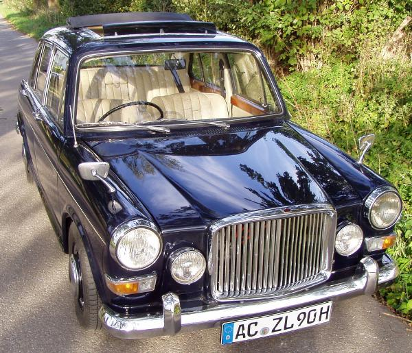Our Vanden Plas Princess 1300, nearly ready to celebrate.