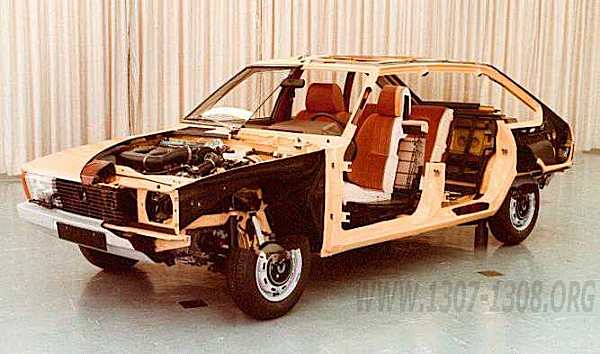 The Alpine/1308 laid bare: this model was shown at the 1975 Paris salon, impressing showgoers with its interior space. (Photo used with permission: www.1307-1308.org)