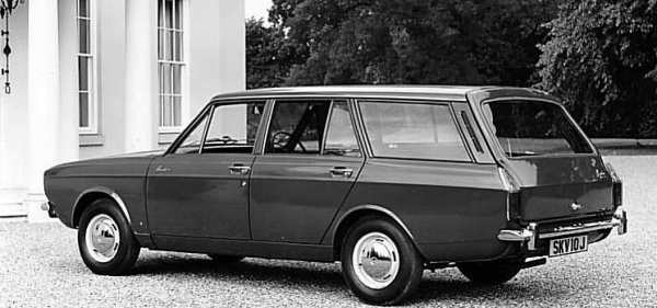 1970 Hunter De Luxe estate: it took four years for the five door version of the Hunter to make an apperance on the market. The Estate body, however, appeared in 1967. Called simply the Hillman Estate car, it was based upon the Minx... (Picture: Chrysler press photo, supplied by Graham Arnold)