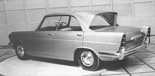 Zebu had developed nicely along the way, and the rear three quarter view (top) was especially attractive. The frontal aspect (above) was less so with its fussy grille/headlamp arrangement, but this was far from finalised. The reverse rake concept would be ditched in 1959 following a visit from MOTOR magazine's editor.