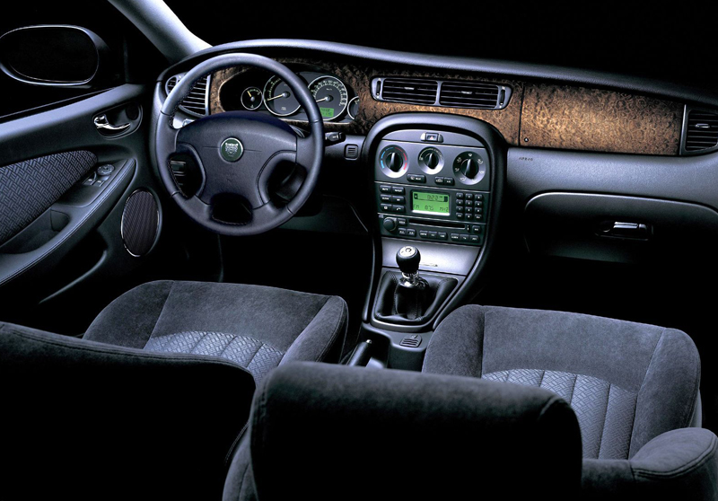 Jaguar X-Type interior