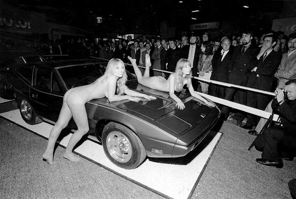 TVR's SM Zanté prototype, first revealed at the 1971 Earls Court Motor Show in London. Contemporary hints that Harris Mann was behind the design, which certainly is understandable, given a similarity with his 1969 Zanda (below).