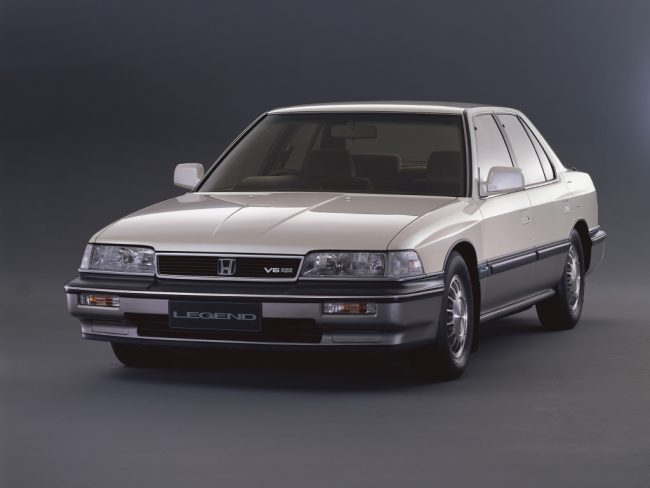 Honda Legend shared its underpinnings with the Rover 800, and went on sale six months earlier