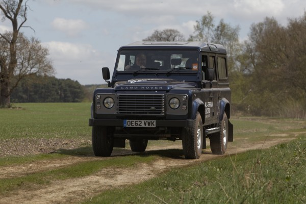 Land Rover Defender Electric (1)
