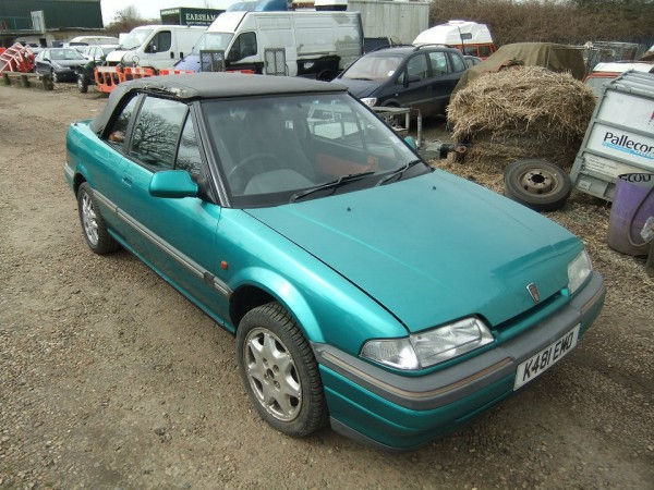 This clearly needs a new hood and repairs to one wheelarch, but as the seller says, it's worth rescuing at £295...