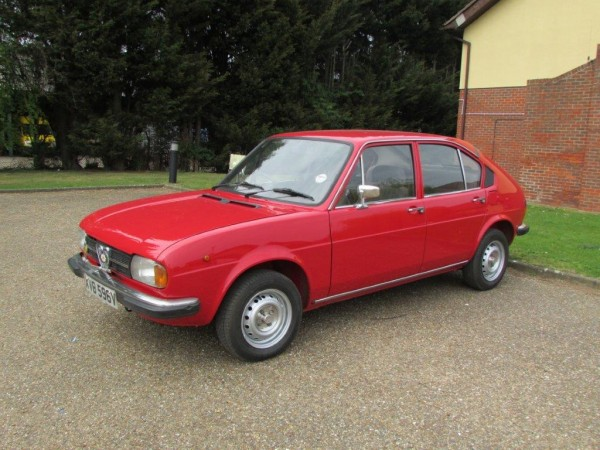 '79 Alfasud 1.3 has just 19k on the clock with a full service history...