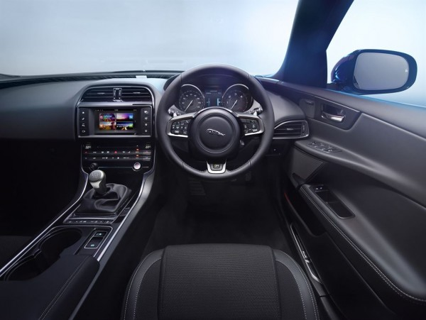 Jag_XE_R_Sport_Interior_Image_011014_18_LowRes
